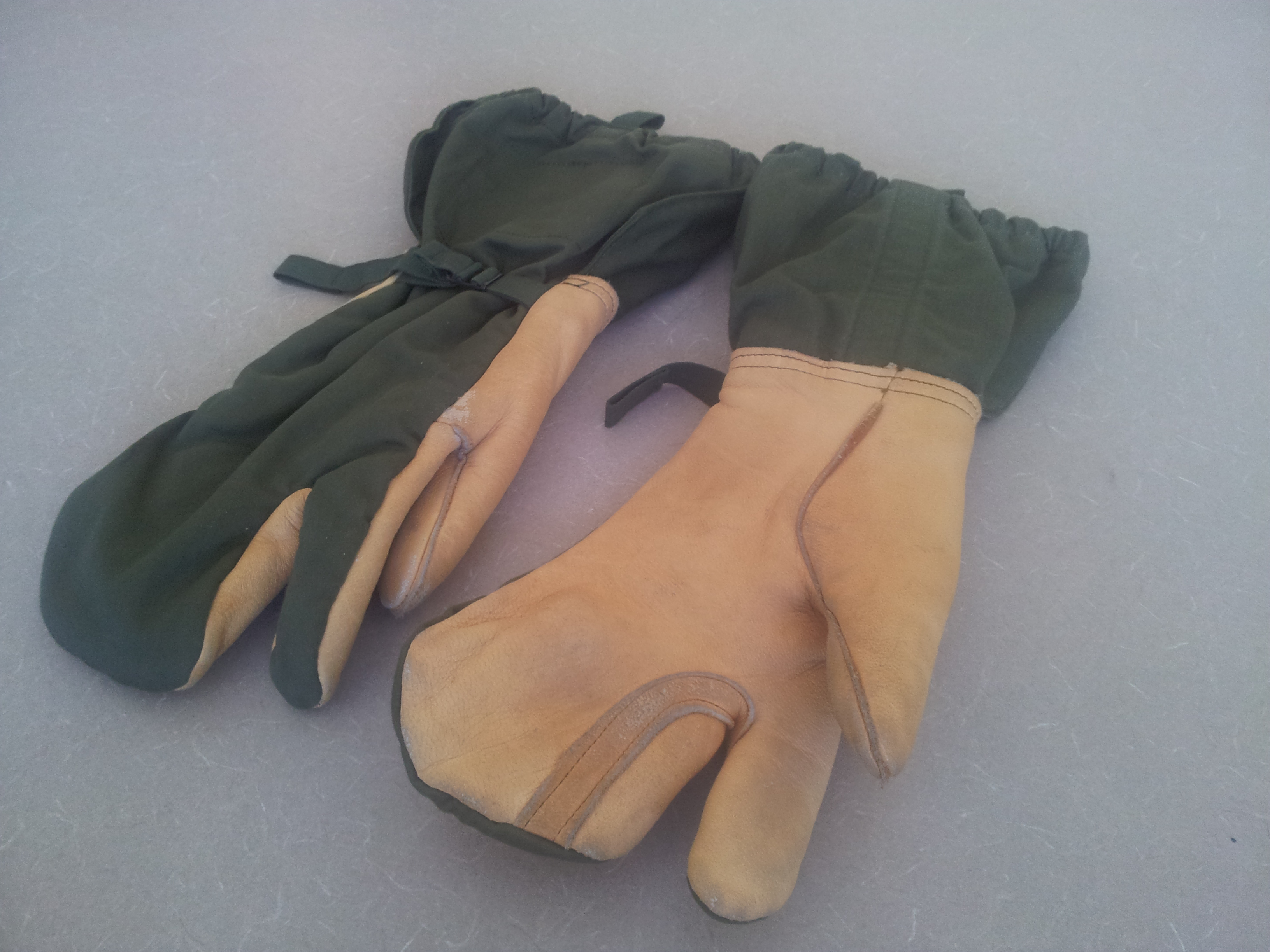 Gear Review Gi Leather Trigger Finger Mittens Dad Vs Wild